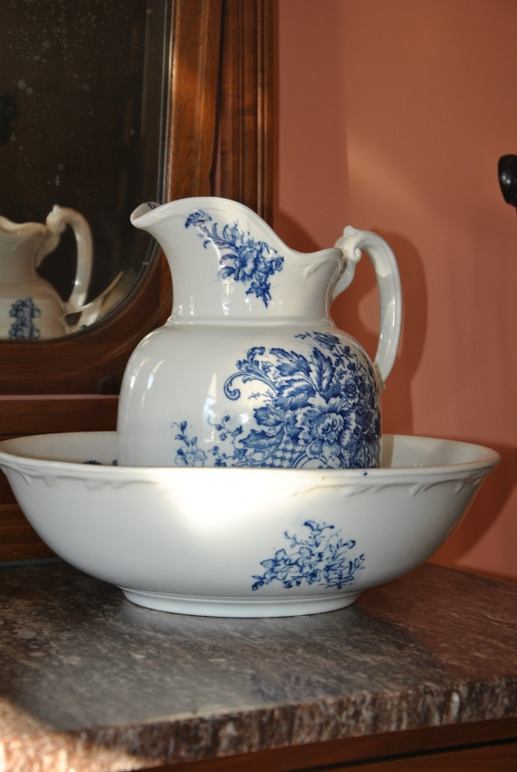 One of the many beautiful antiques.  (I have a soft spot in my heart for bowls/ptichers.)