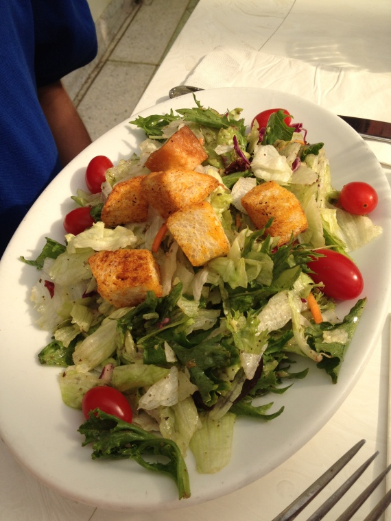 CW's Appetizer: Mixed Greens tossed in our House Dressing topped with Croutons
